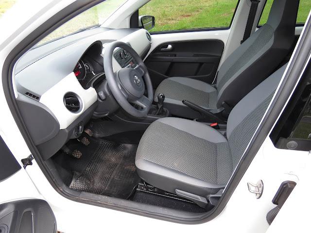 Volkswagen Up! TSI com 10.000 Km de uso  - interior