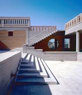 """""""Η αρχιτεκτονική πρέπει ν' αρχίζει απ' τα θεμέλια"""" - Κυριάκος Κρόκος (1941-1998)"""