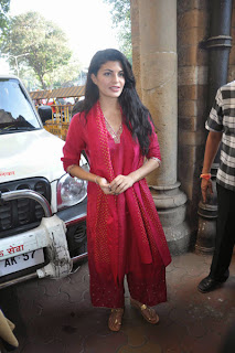 Jacqueline Fernandez Meet Mayor Sunil Prabhu with PETA Photo Gallery