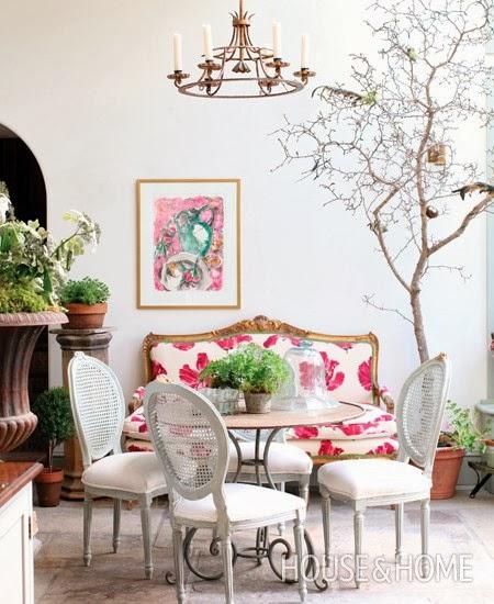 Estilo afrancesado decoracion clasica en rosa y blanco