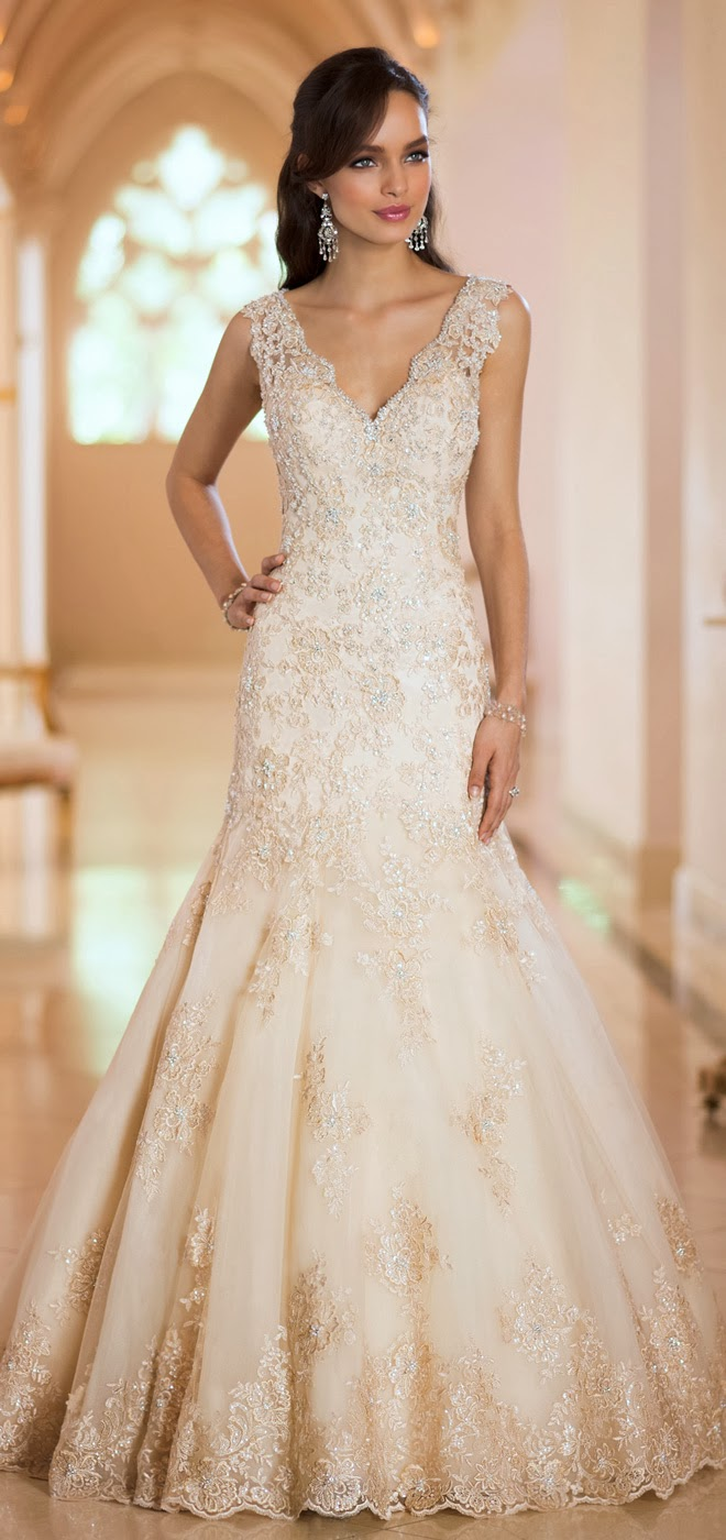 Stella york fall 2014 belle the magazine for Fall lace wedding dress