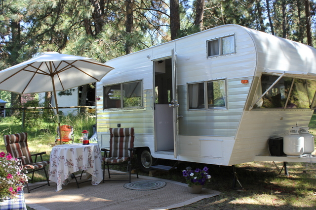 Amazing  Amp Travel Trailer Rentals Serving Bend Sunriver And Oregon Areas