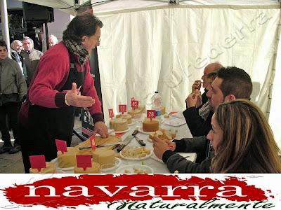 La Gastronomía es uno de los aspectos que más atraen a las personas, a un lugar concreto para visitarlo y conocerlo.  También hay otro nicho personas, que su motivación cuando visitan un destino turístico, no es la gastronomía, pero que como complemento a la misma, si incluyen en su viaje o escapada, poder disfrutar de la Gastronomía en su escapada a Navarra Naturalmente  Los Pinchos,  también llamados Pintxos,  es una de las mejores maneras de poder conocer y saborear lo mejor de la cocina de cada zona.