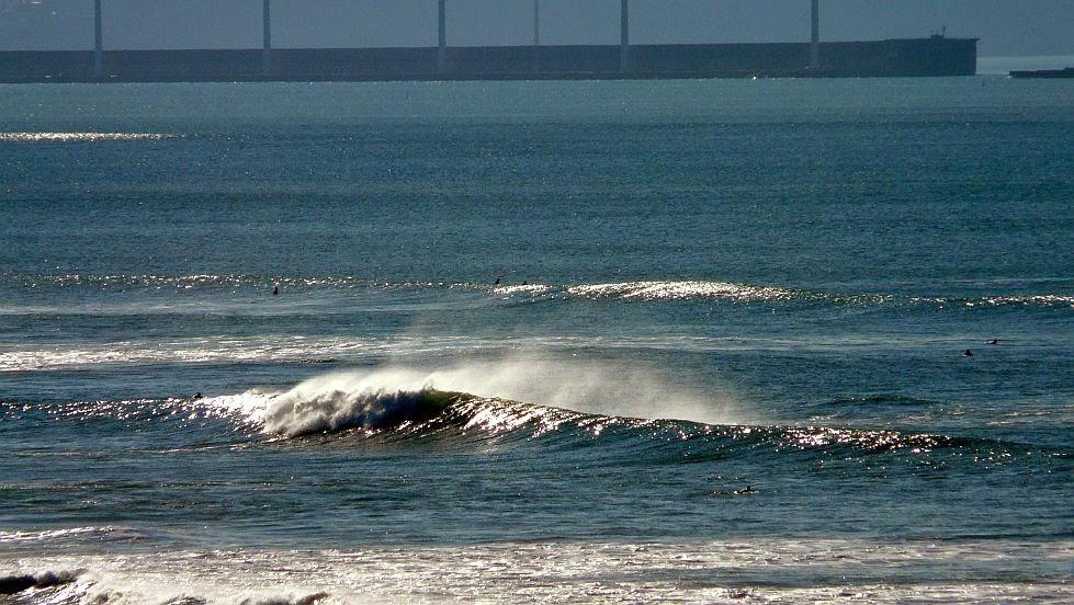 olas rompiendo en la triangu