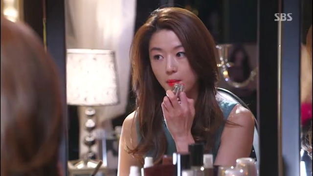 Image of Jun Ji Hyun - Laneige Serum Intense Lipstick Cheon Song Yi - pinknomenal.blogspot.com