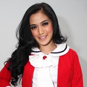 jessica iskandar   artis hot toket artis indonesia