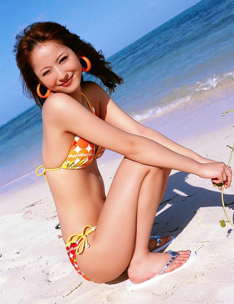 nozomi sasaki sexy beach bikini photo