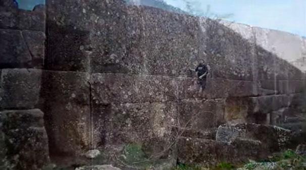 Τεράστιο τείχος στην Ρωσία διαψεύδει την συμβατική ιστορία
