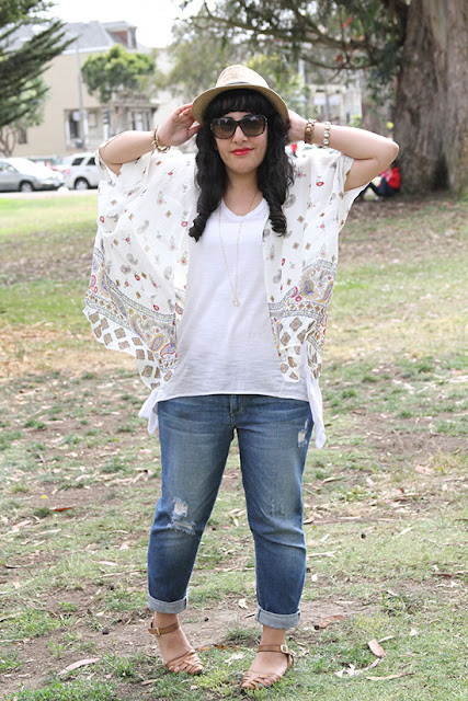 Print Kimono and Destroyed Boyfriend Jeans Outfit