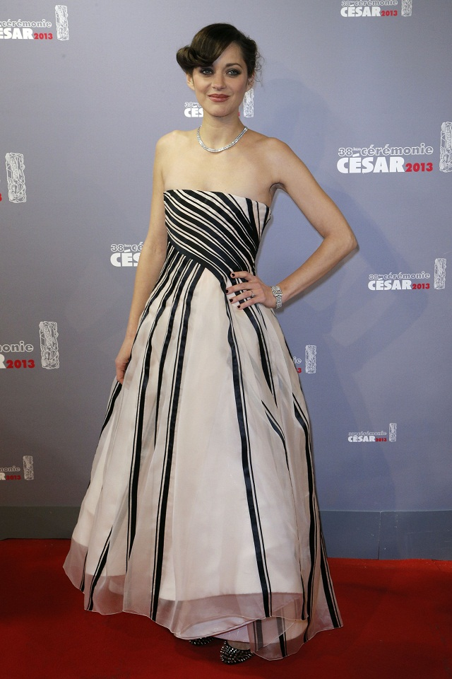 marion cotillard in christian dior couture at the cesar film awards 2013. Black Bedroom Furniture Sets. Home Design Ideas