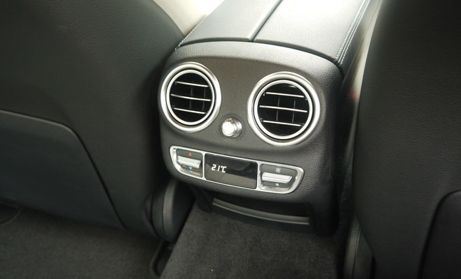 Mercedes-Benz C220 AMG Line rear air vents
