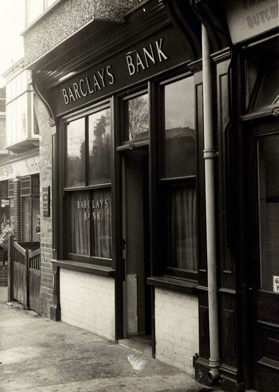 Newly discovered picture of Barclays Bank in Drayton