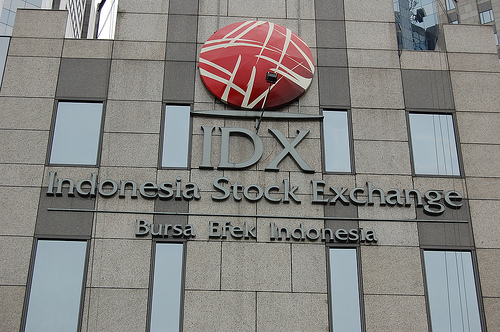 Indonesia Stock Trading Delayed as Members Unable to Connect