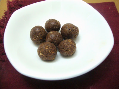 Chocolate Marie Biscuit Balls aka Tsunami Ka Cake   Easy and Quick Snacks for Kids   Step by Step Recipe
