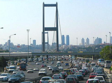 Ulaştırma Bakanı Yıldırım: Köprü trafiğinin ekonomiye yıllık maliyeti 3,5 milyar TL. İşte bu yüzden 3.Köprü için acele ediyoruz