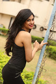 Zara Shah photos at Aithe 2 launch-thumbnail-18