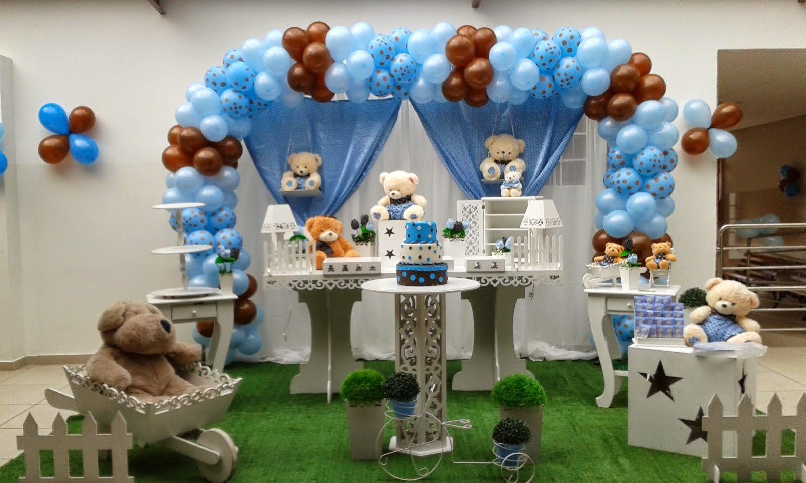 Ursos azul com mesa provençal