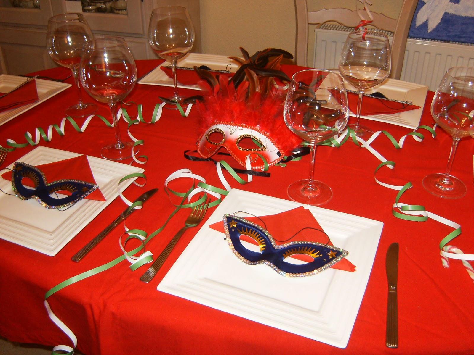 Todos la mesa ideas para fiestas carnaval - Mascaras venecianas decoracion ...
