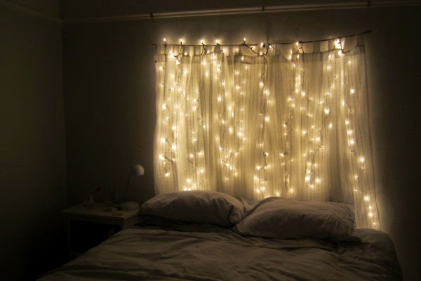 http://memespp.com/christmas-lights-christmas-light-curtain-christmas-light-headboard/4/