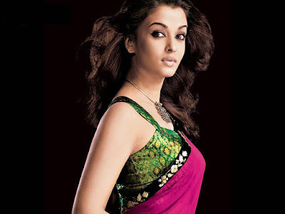 Aishwarya Rai In Hot Saree