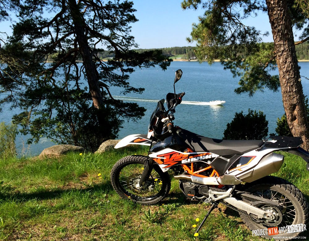 2014 KTM 690 Enduro R seaside hilltop