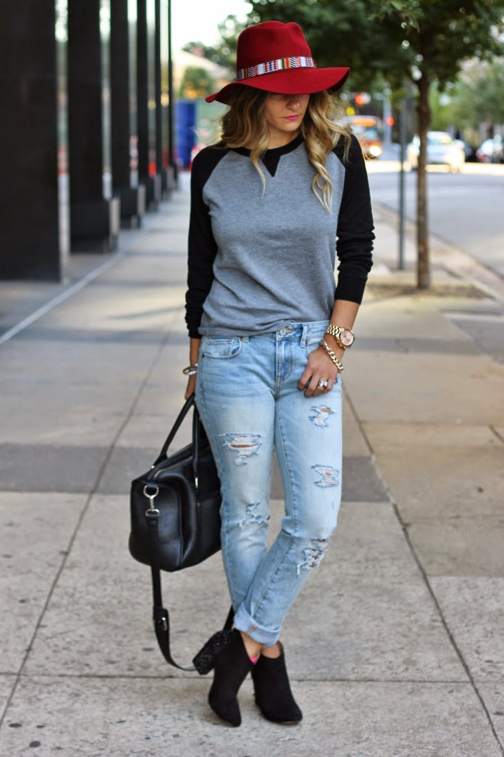 Fall ripped skinny jeans outfit