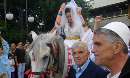Dasmat shqiptare tradite