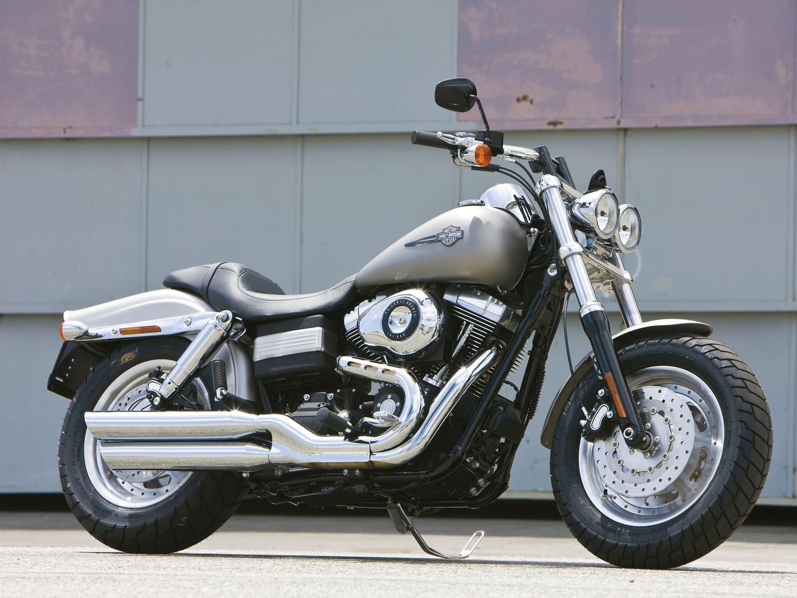 http://1.bp.blogspot.com/-zXIfjOZJ85w/TikaiWNeKLI/AAAAAAAAA6Q/FA4d8uEJSX4/s1600/harley_davidson_FXDF_dyna_fat_bob_motorcycle_wallpapers2.jpg