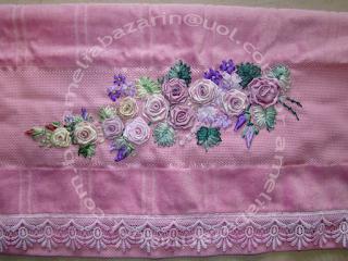 toalha bordada flor em fita