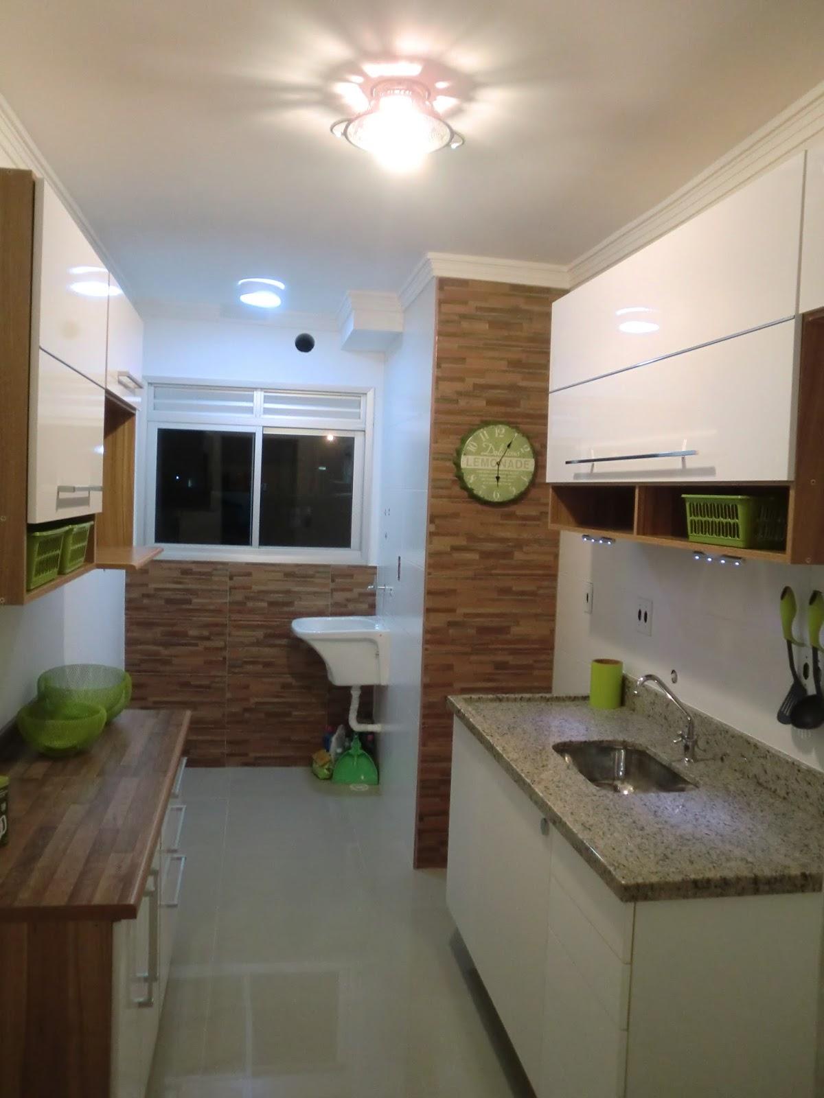 Reforma do Apartamento Antes e Depois da Cozinha do Apartamento  #465C2D 1200 1600