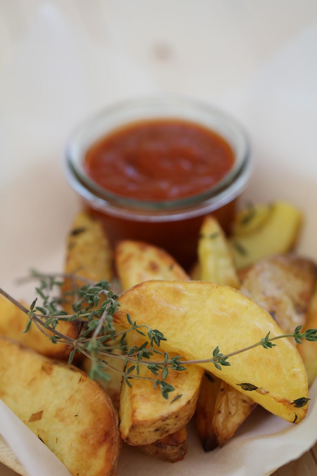 recette frites rustiques au four sauce barbecue selon. Black Bedroom Furniture Sets. Home Design Ideas