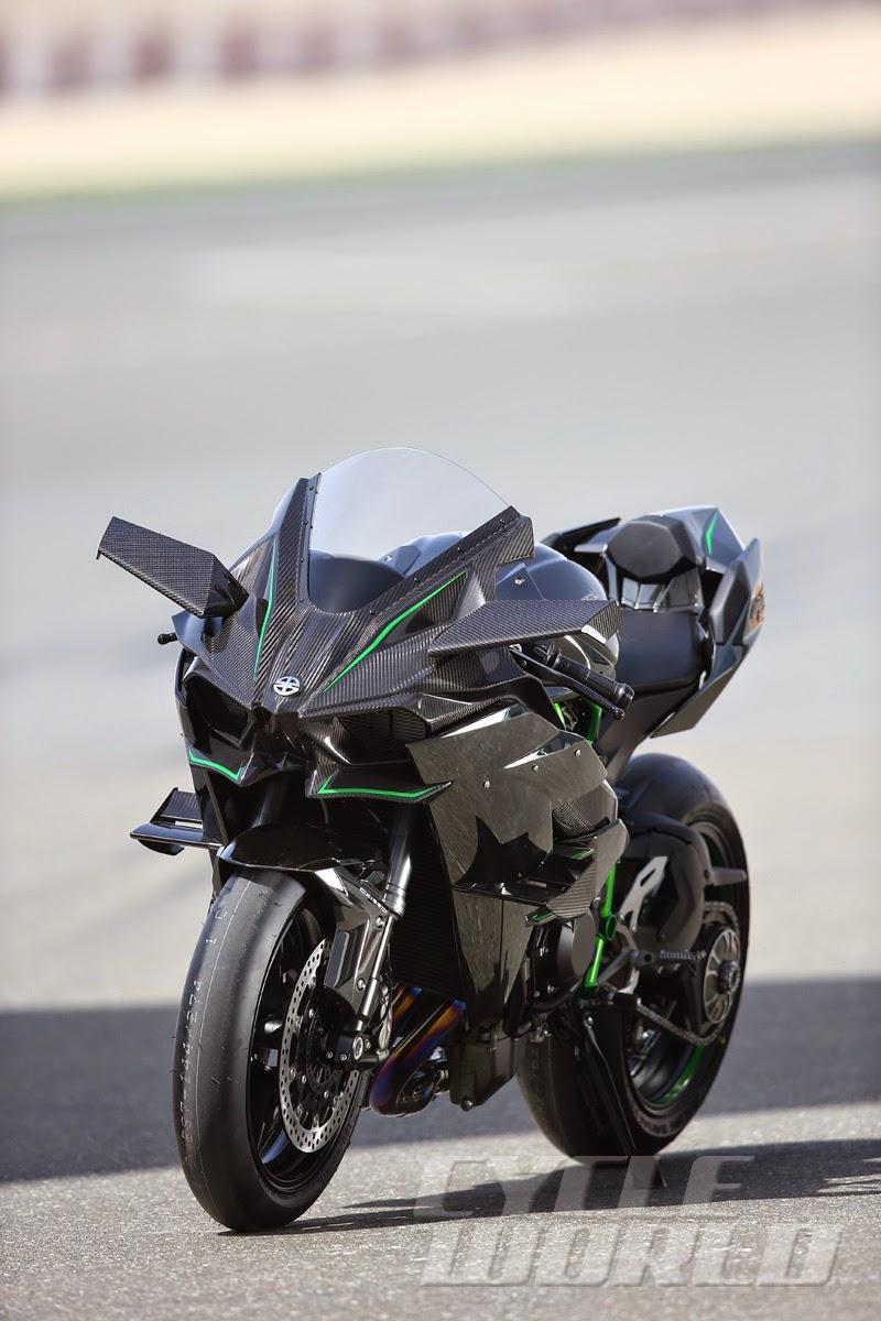 Kawasaki Ninja Cycle World