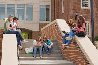 adolescentes-tiempo-Redes Sociales