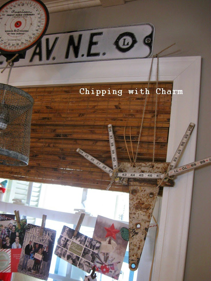 Chipping with Charm: Repurposed Hinge Deer...http://www.chippingwithcharm.blogspot.com/