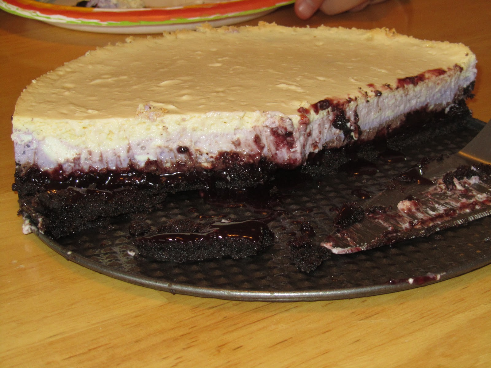 how to cut a round cheesecake into squares