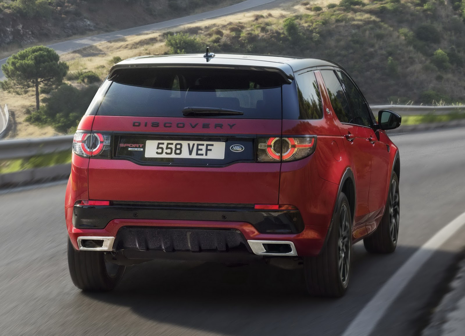 Land Rover Discovery Sport Hse Dynamic Lux Joins The Range Defender Fuse Box Layout