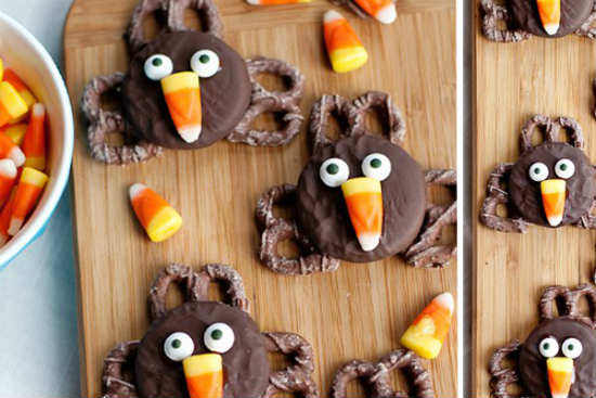 Easy Oreo Pretzel Turkeys Thanksgiving deserts