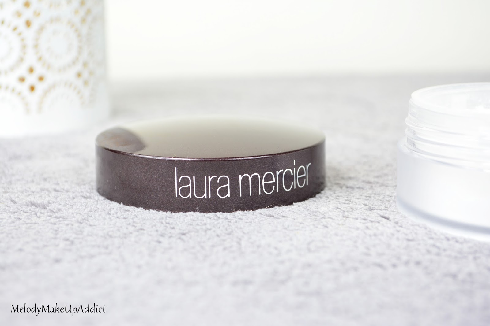invisible loose setting powder laura mercier
