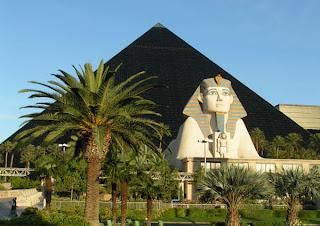 Image de la pyramide et le Sphinx de l'Hôtel le Luxor Las Vegas