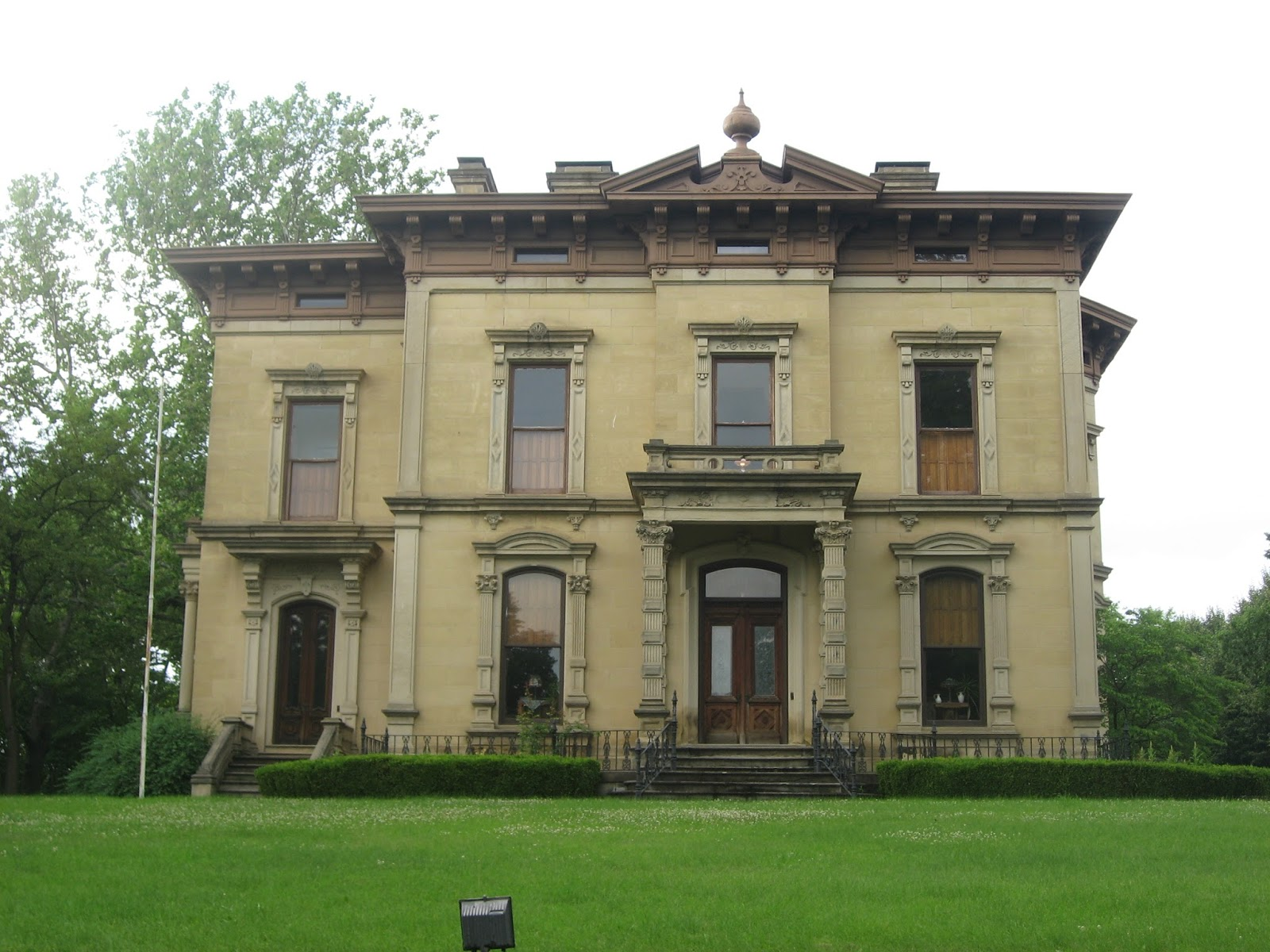 The picturesque style italianate architecture the john for Building a home in ohio