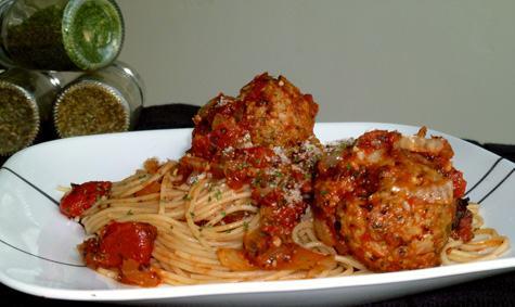 Spaghetti_with_Turkey_Meatballs_in_Spicy_Tomato_Sauce_5.jpg