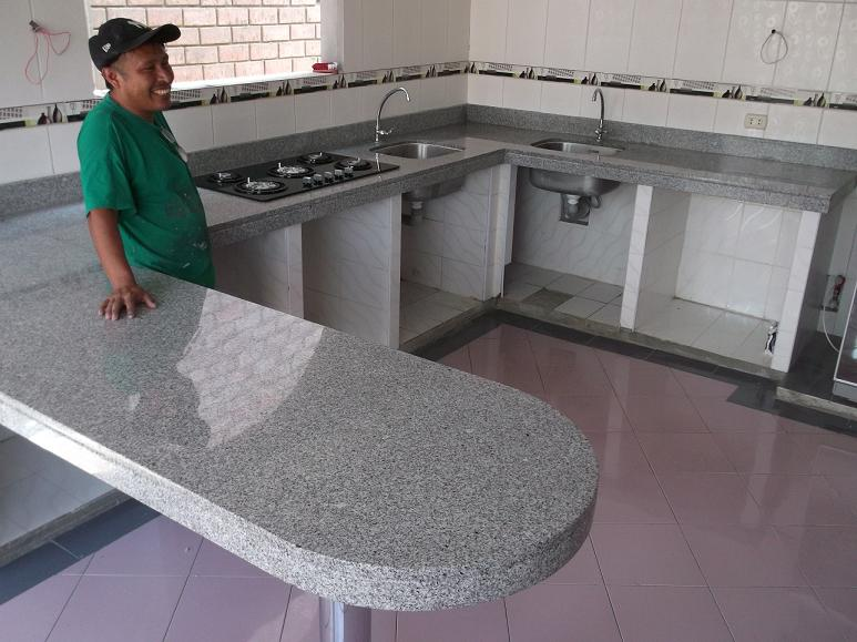Cocinas empotradas marmol granito lima cocinas empotradas for Barra de granito para cocina precio