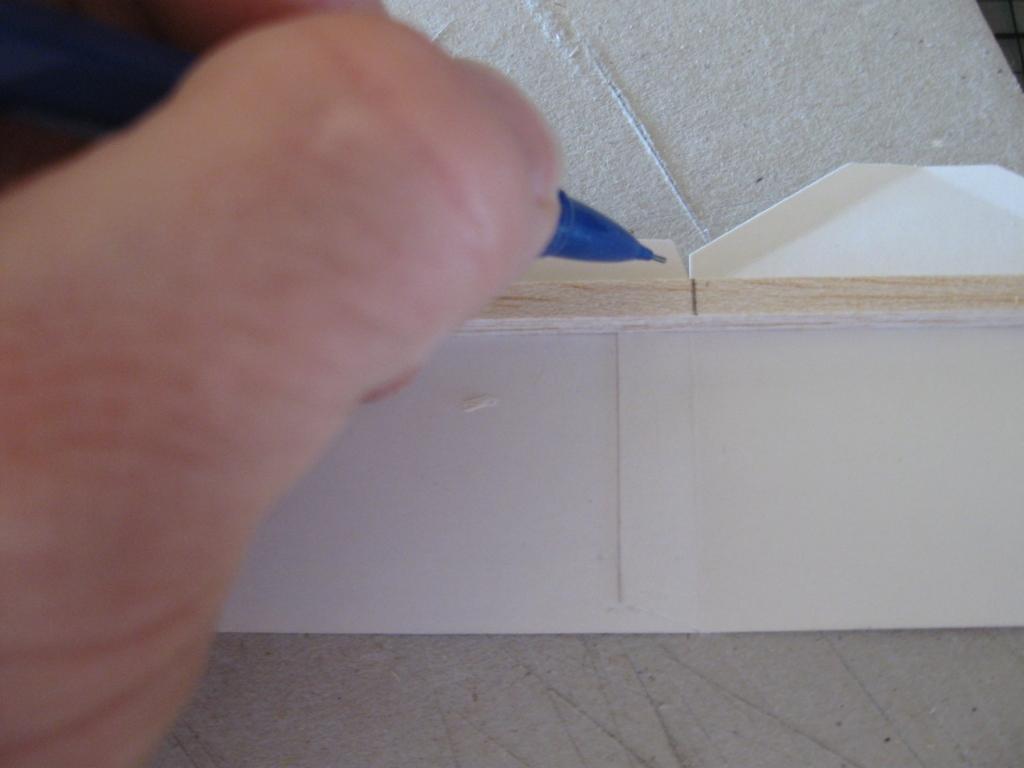 http://1.bp.blogspot.com/-zZEOw6nifI0/TjtPCKD4WgI/AAAAAAAACbY/gc7pc8YhmLo/s1600/Building+Paper+Models+13a+small.jpg