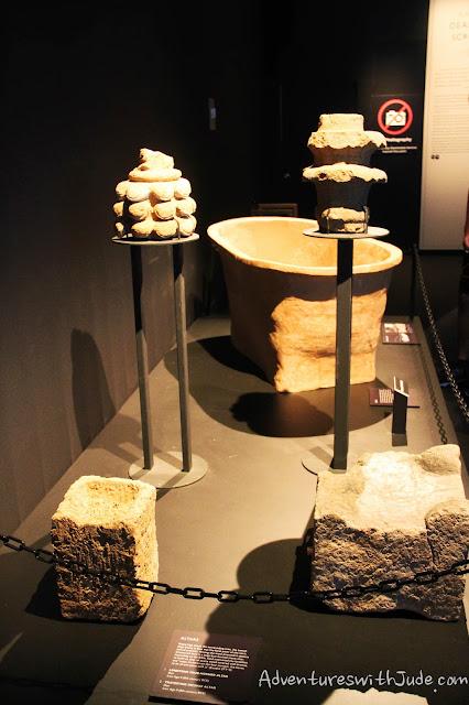 Qumran altars
