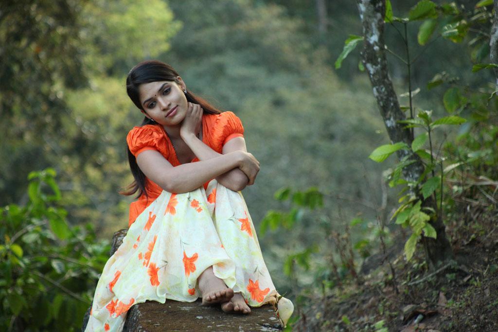 Varsha ashwathi beautiful photos gallery