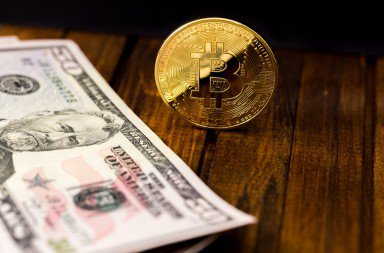 Go with Bitcoin, Skip Central Banks, Says Billionaire Finance Manager Bill Gross