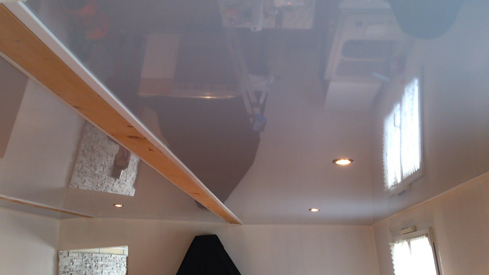 Stretch ceiling: repair and types of damage 94