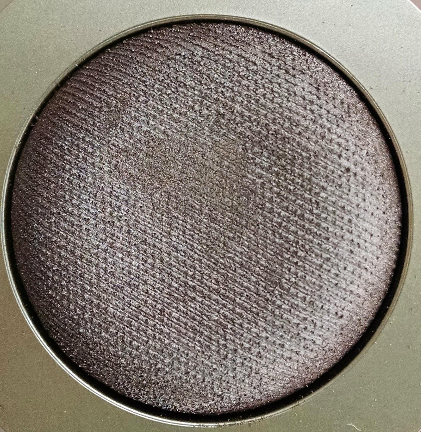 how to use gel powder eyeshadow