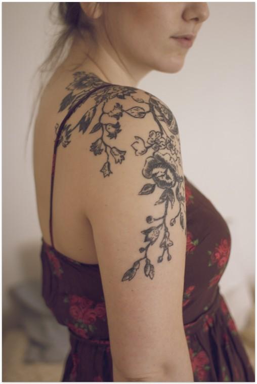 Fotos De Tatuagem De Flores No Ombro - Tatuagem de flor de lótus no ombro Fotos de Tatuagem