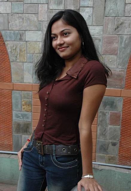 Suhasini Hot Images Photo CollectionSuhasini Hot Stills Suhasini Hot